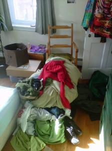 messy bedroom, clutter, clear the clutter